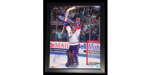 Patrick Roy signed 15x19 game picture in frame 18x22