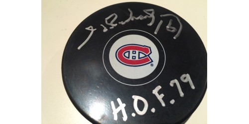 Henri Richard signed puck (SFC10311)